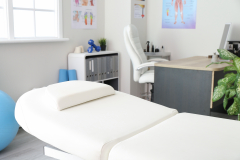 office-of-massage-therapist-in-modern-medical-center